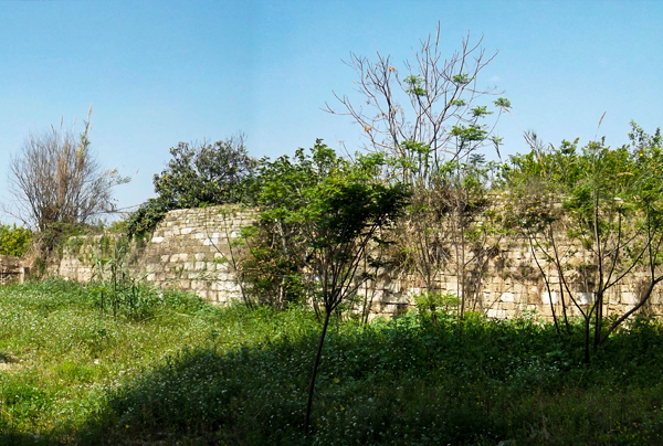 بستان الحجر